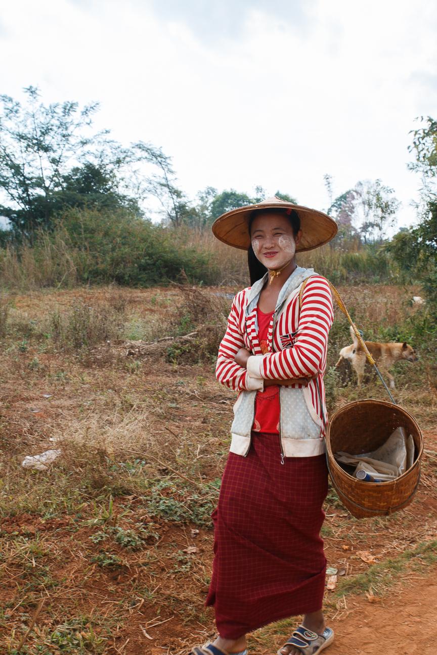 Joven chica de Myanmar