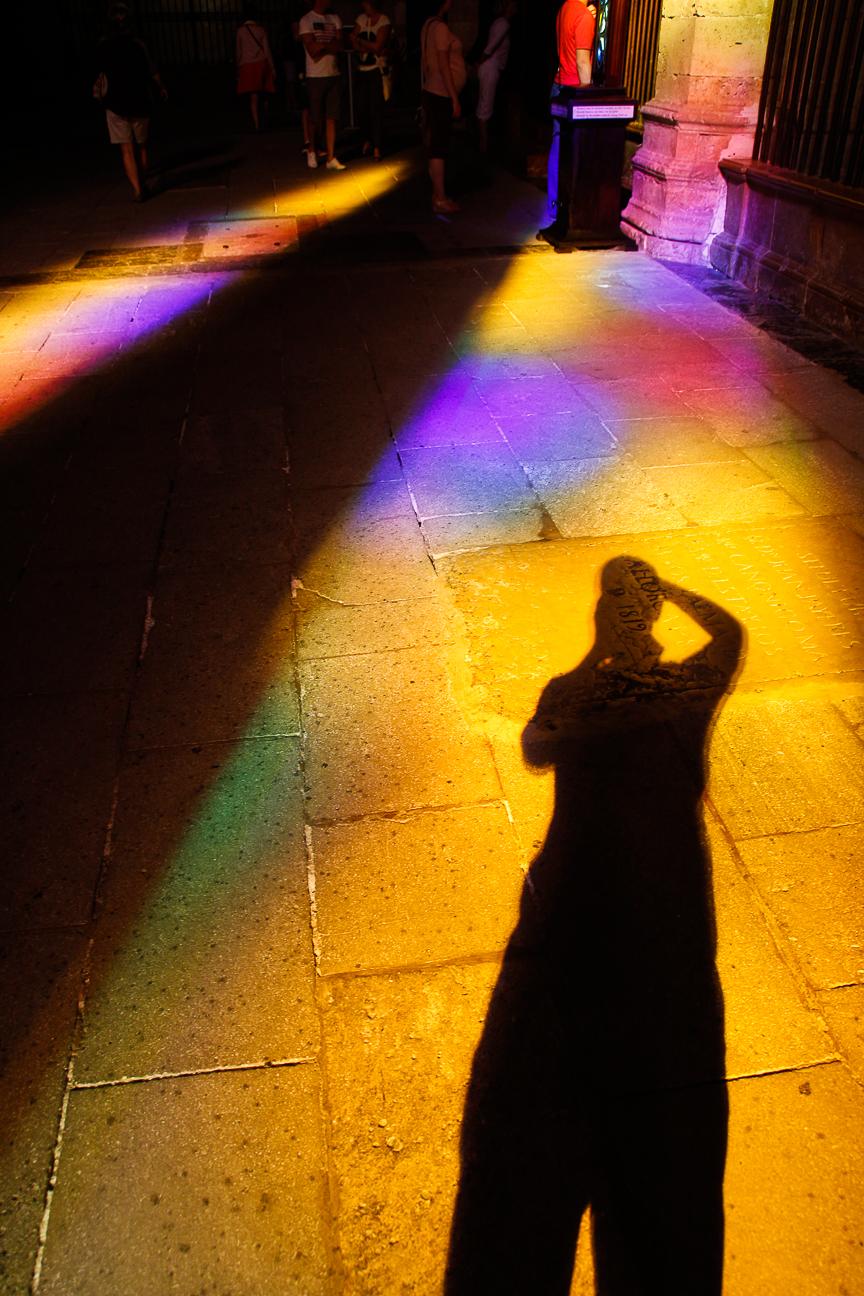 Juego de sombras y colores en la Catedral de Palma