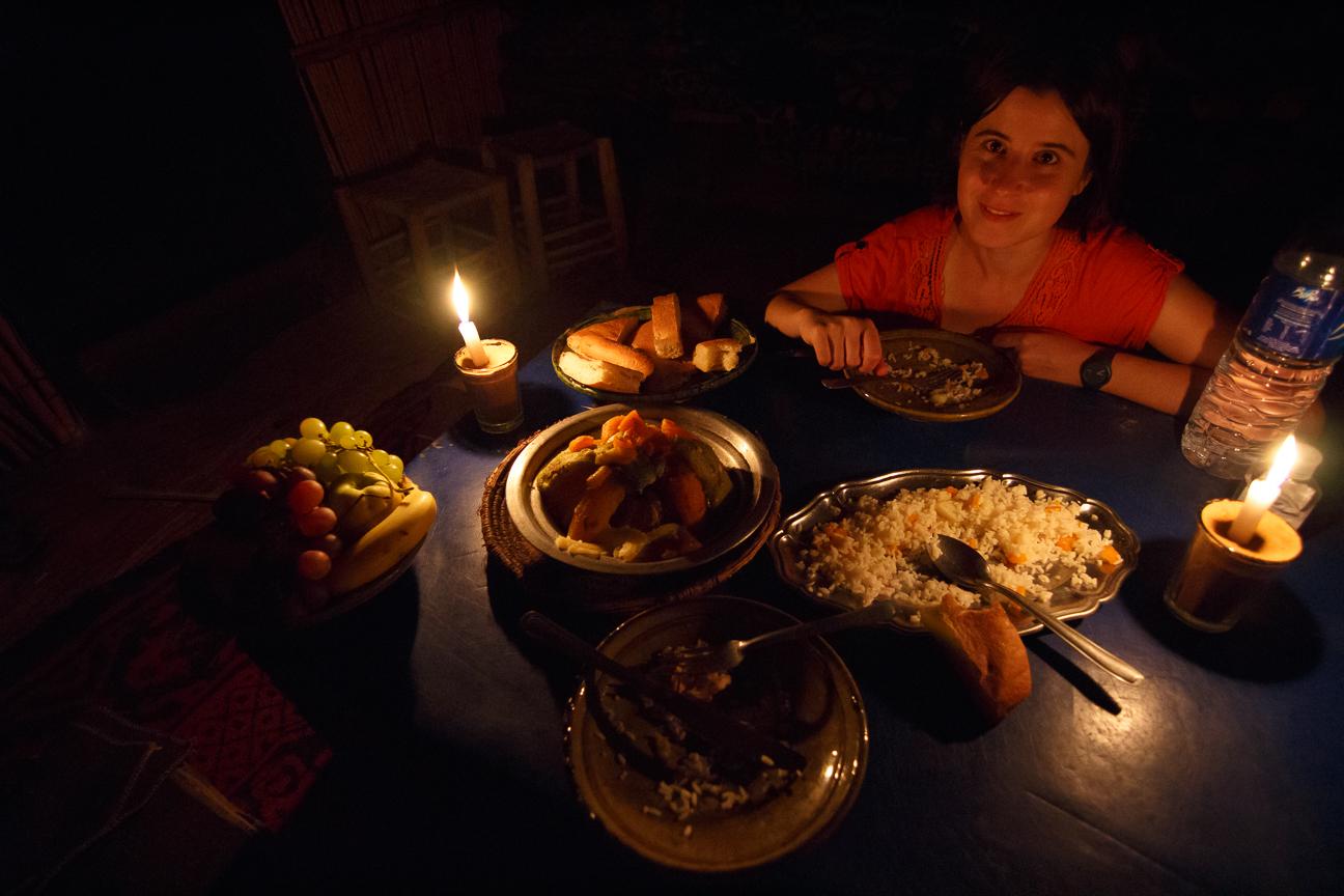 la cena en el campamento del desierto de Merzouga