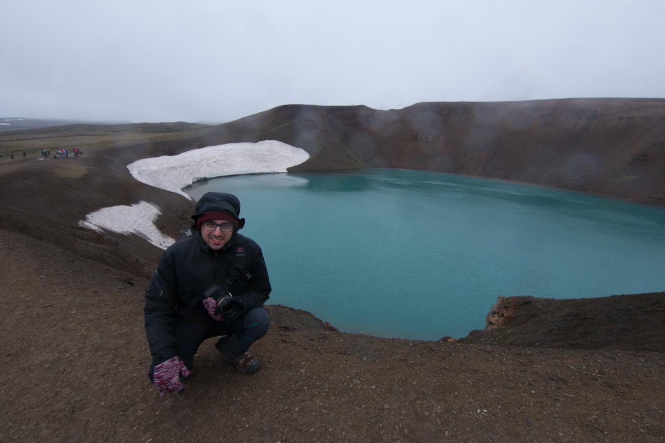 Laguna en el crater de un volcan en Islandia