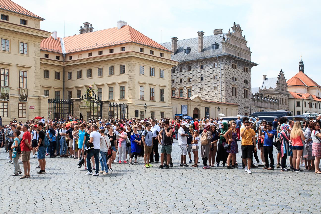 Largas colas en Praga
