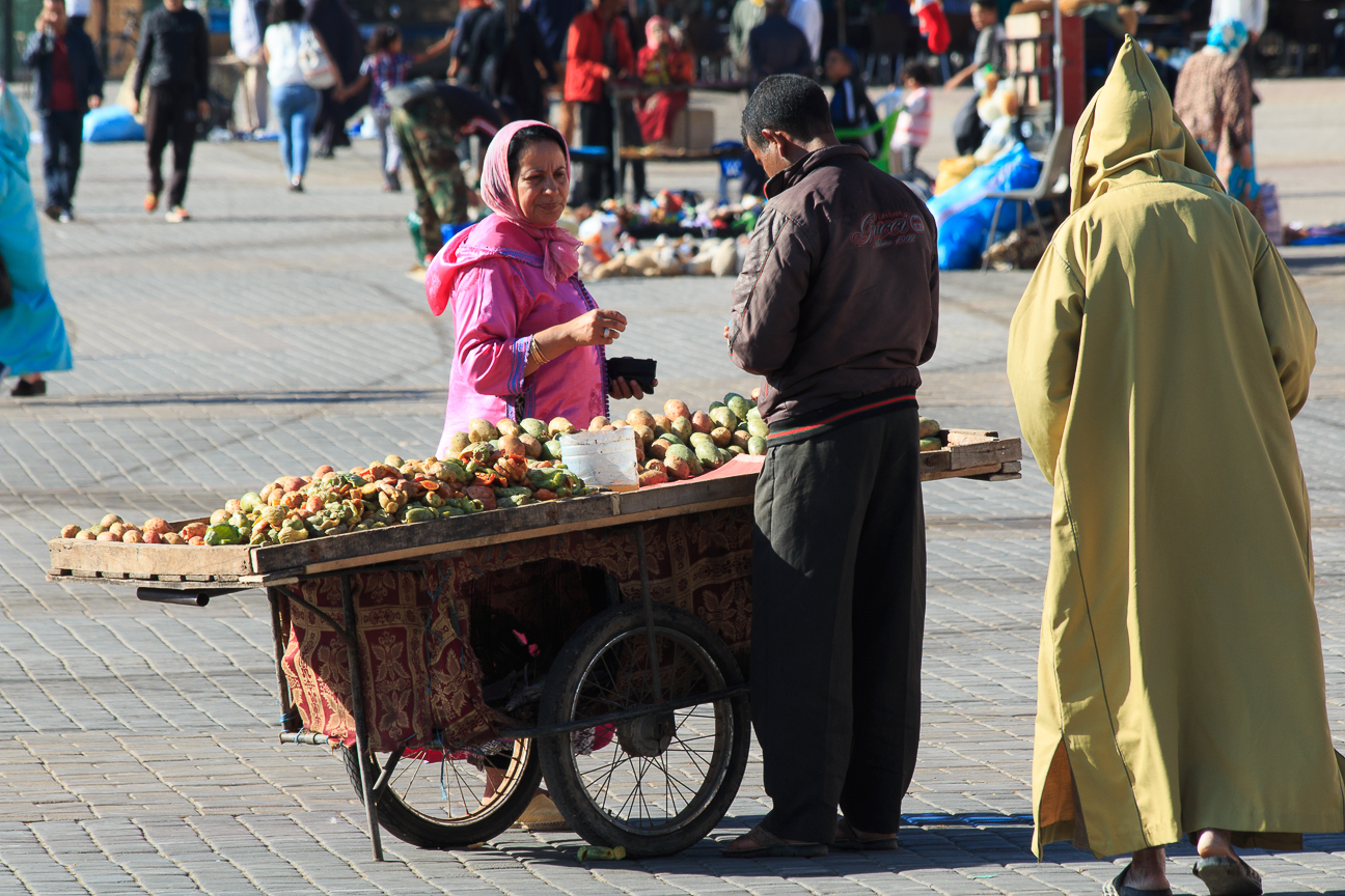 mercado plaza el-hedim meknes marruecos