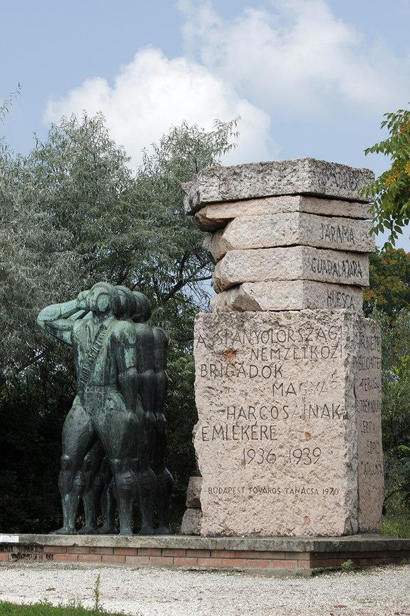 Monumento a los brigadistas Internacionales Hungaros que participaron en la Guerra Civil