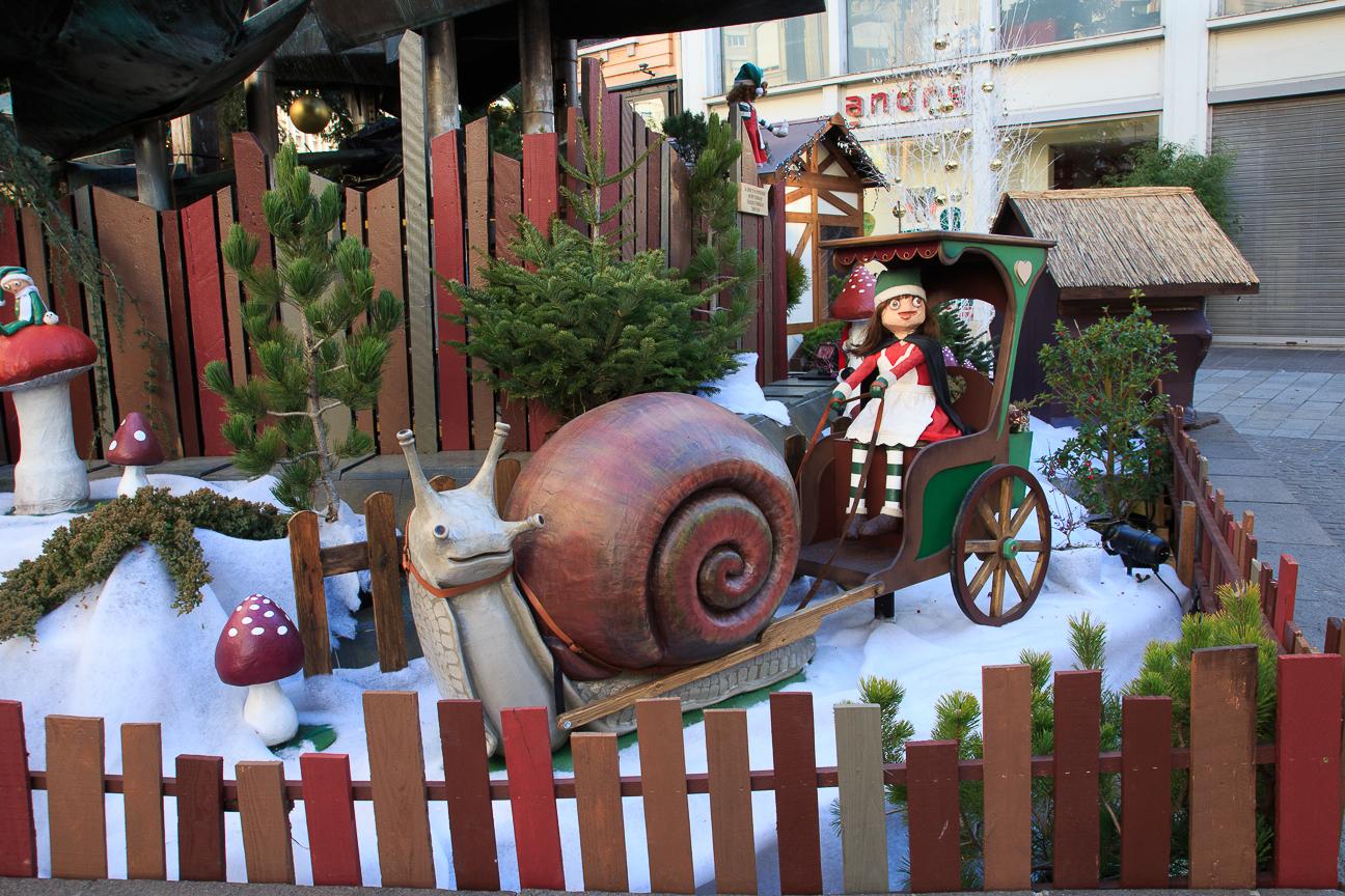 Arbol de Navidad en Mulhouse con elfos