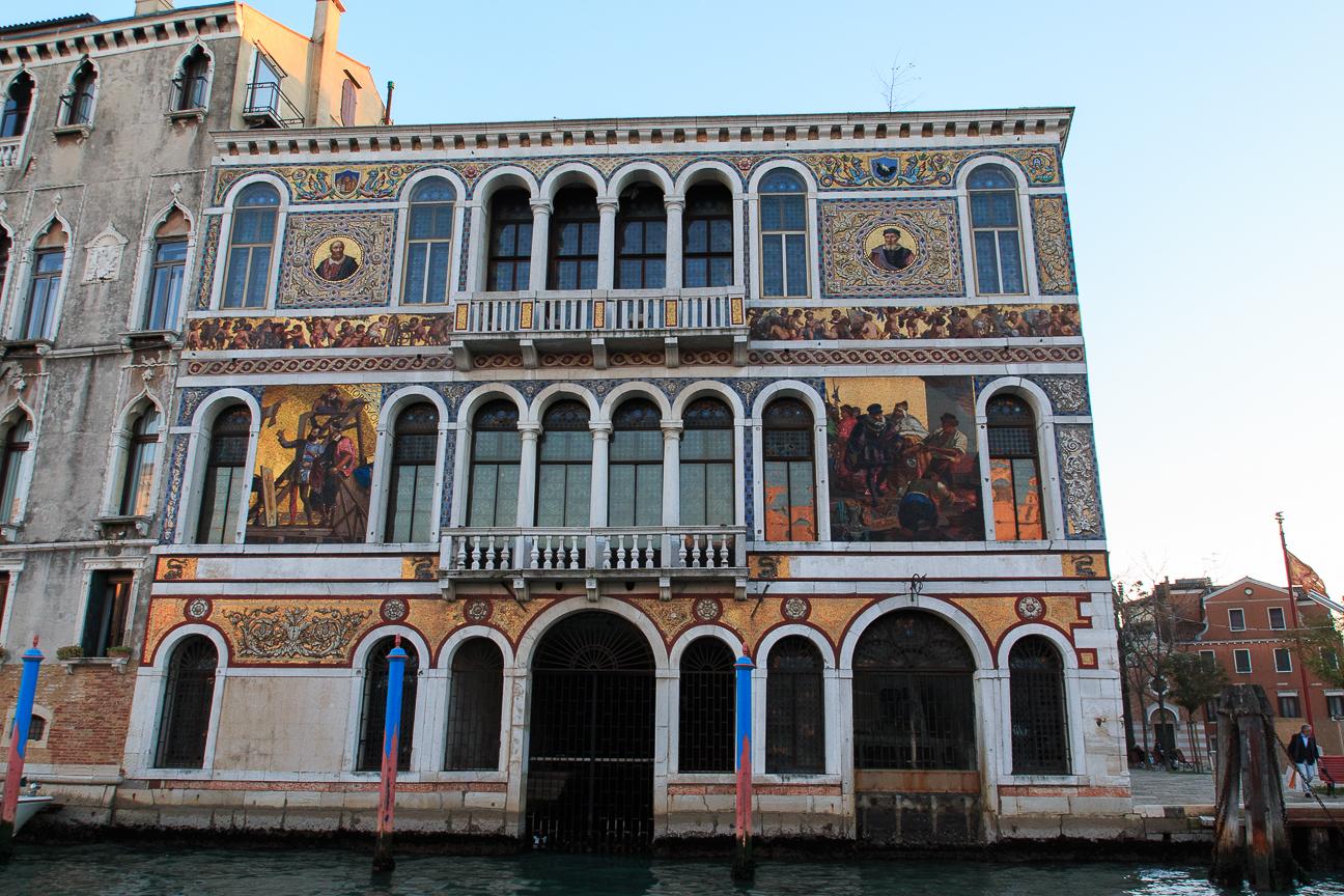 Palacio con mosaicos en Venecia