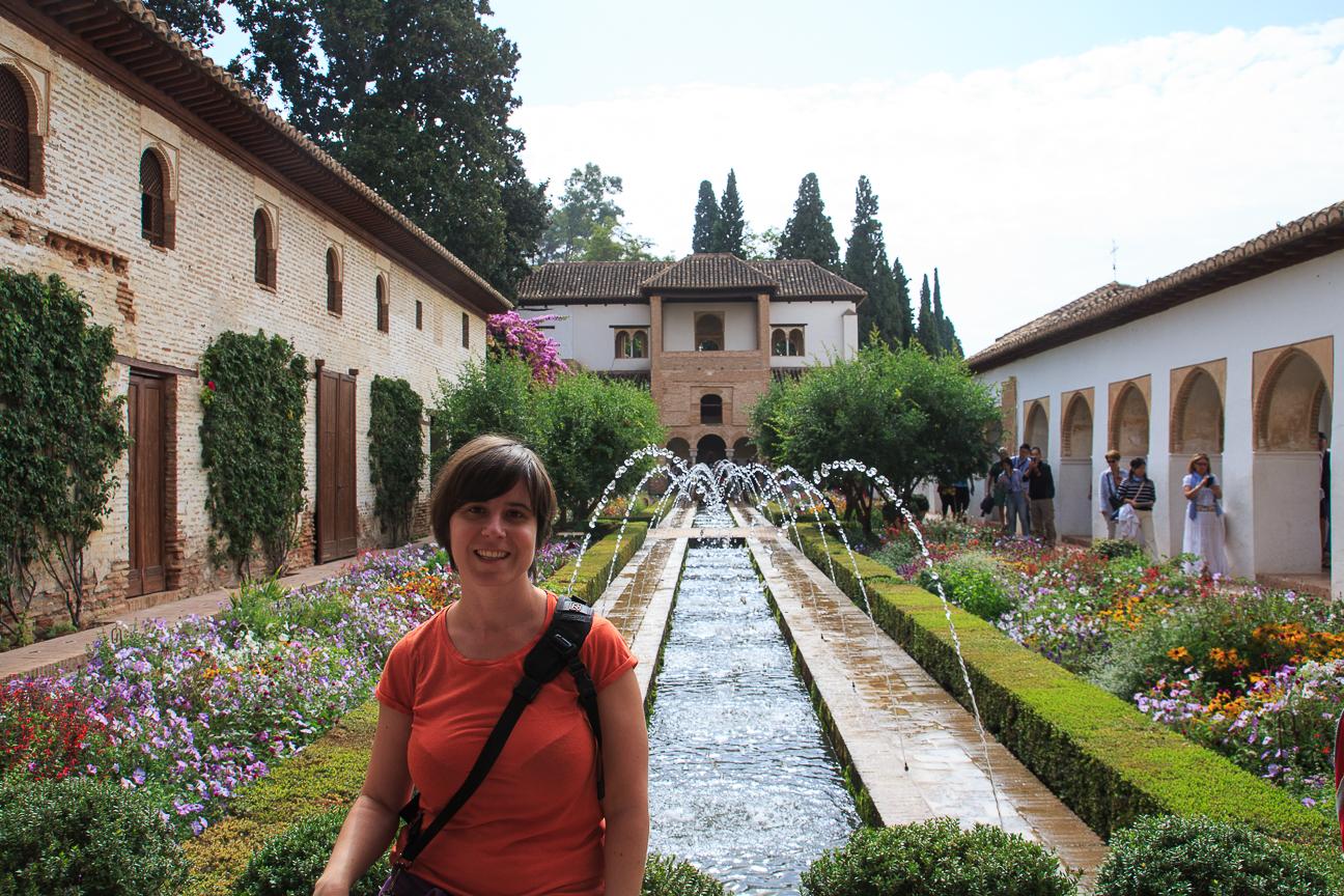 el patio de la acequia en el Generalife de la Alhambra