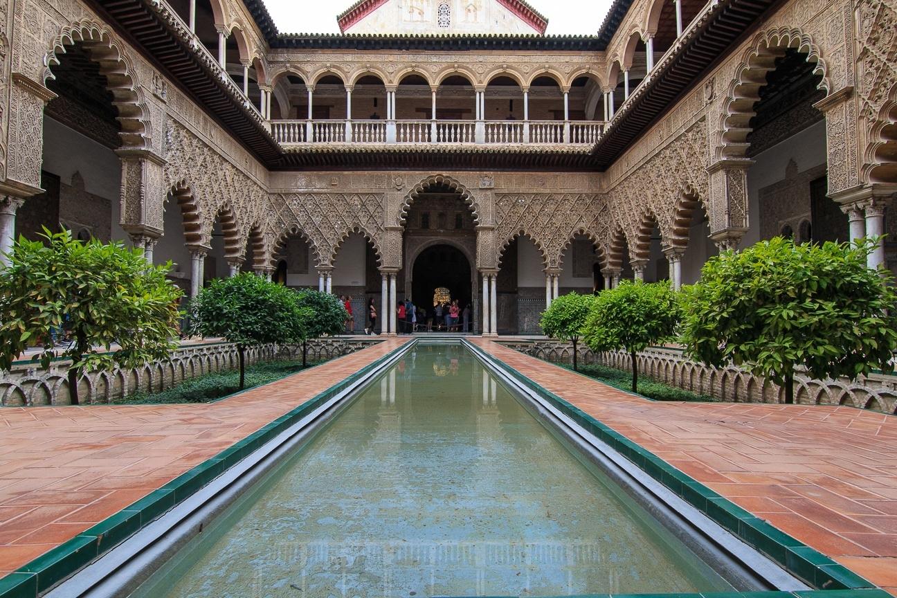 Patios con fuentes en el Alcazar de Sevilla