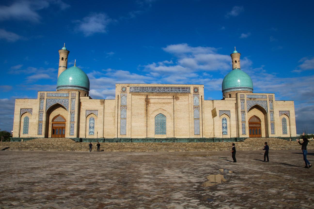 Perfecta simetria en Tashkent