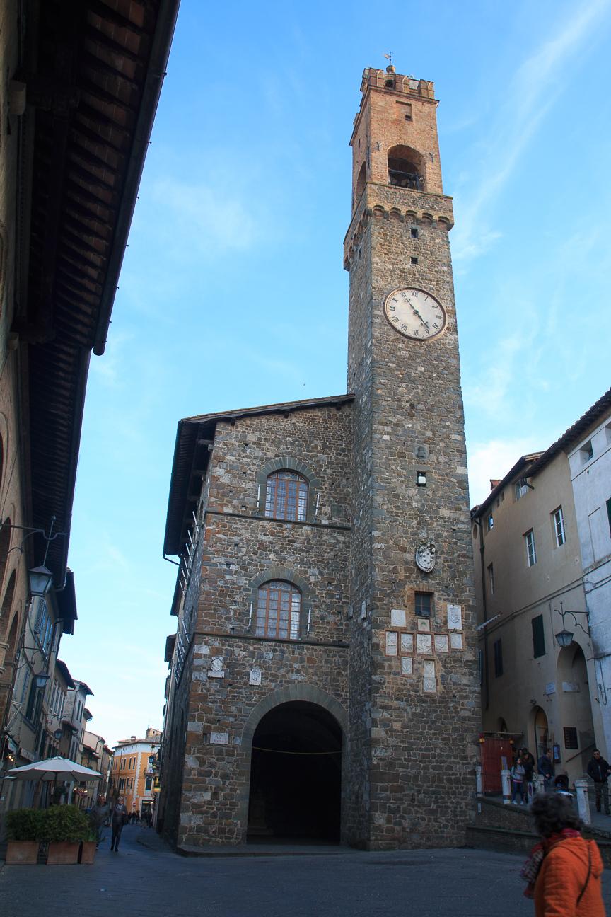 Piazza del Popolo en Montalcino Toscana