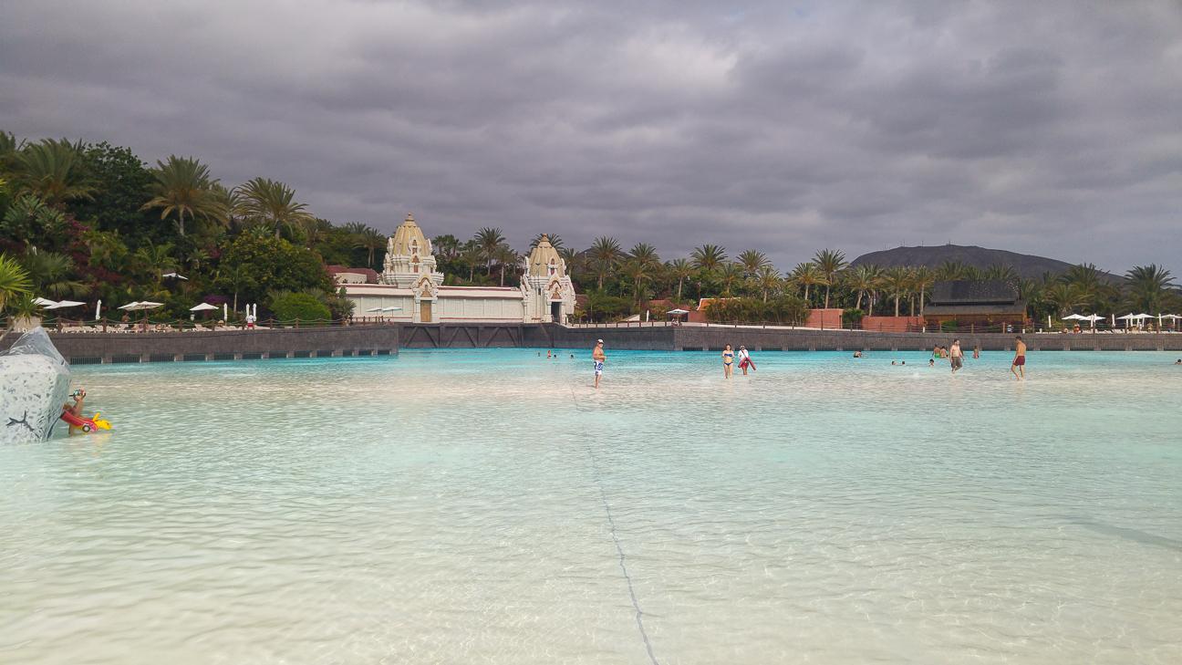 Piscina de olas en el Siam Park