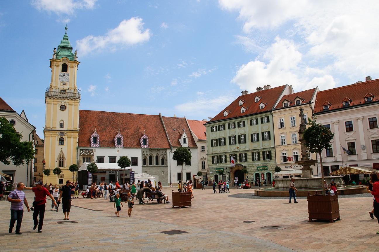 Plaza Hlavne Namastie Bratislava