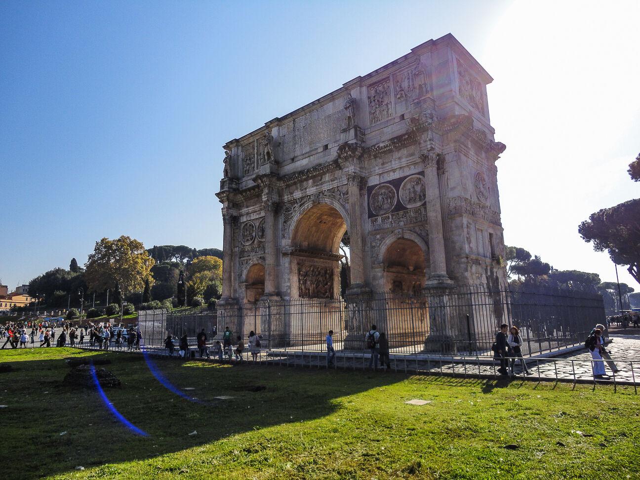 Que hacer en Roma Arco cerca del coliseo