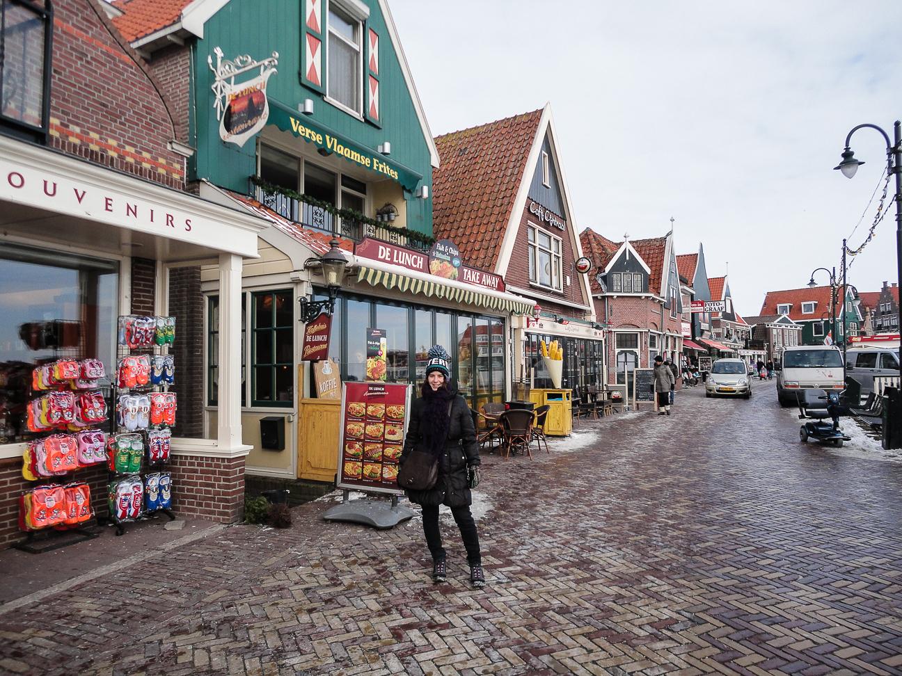 Que ver en Amsterdam Calles del puerto de Volendam