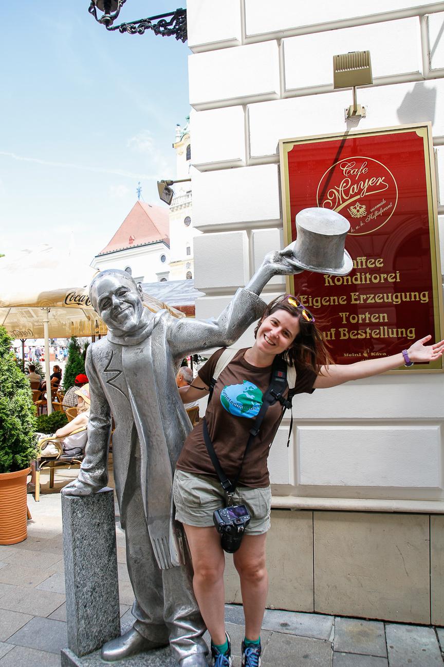 Que ver en Bratislava Estatua divertida