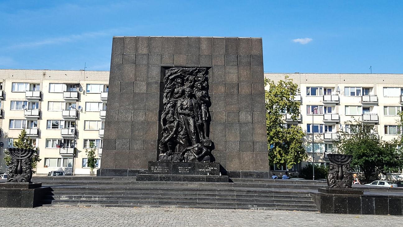 Que ver en Cracovia Monumento en el barrio judio