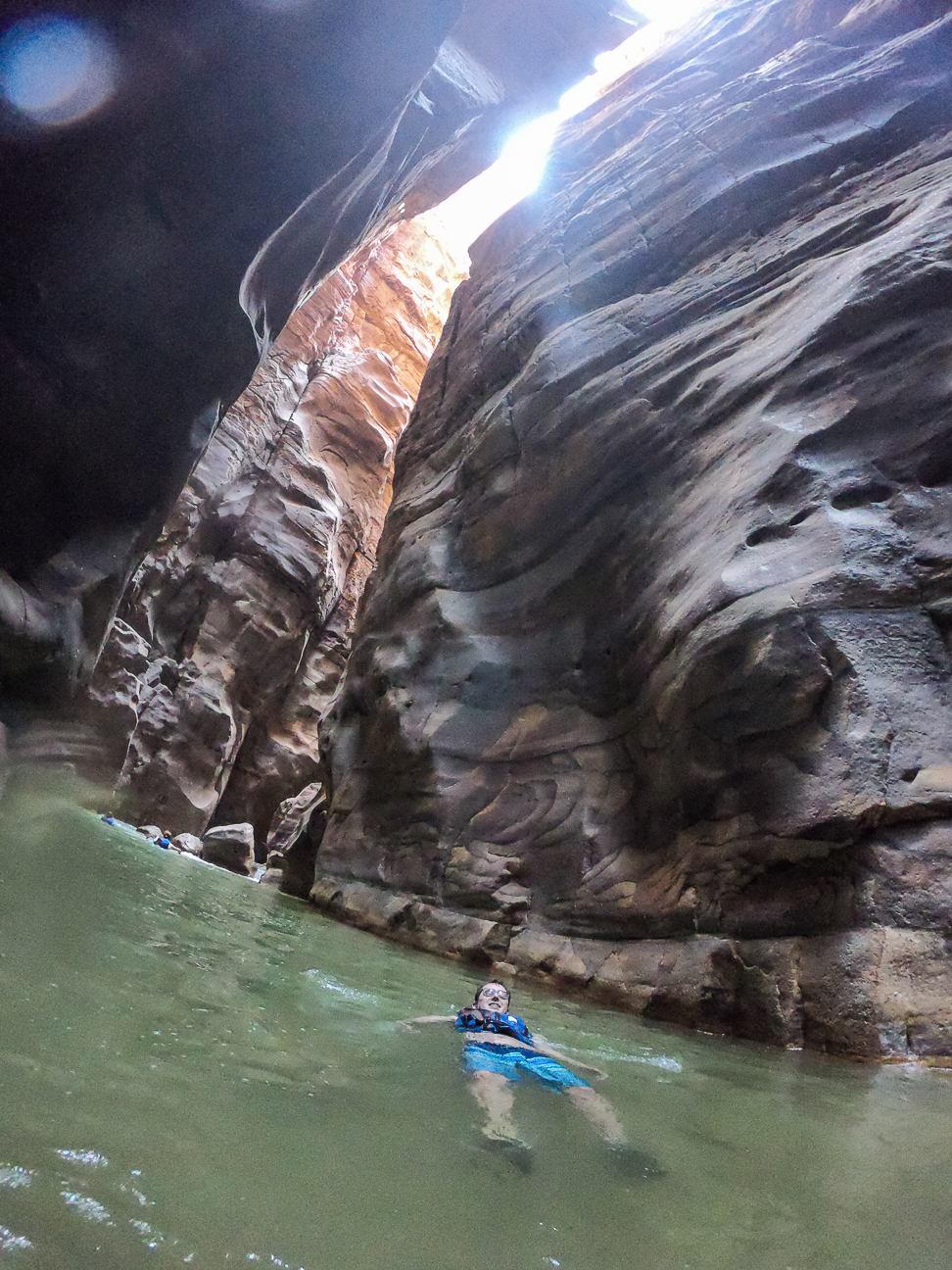 Que ver en Jordania flotando en Wadi Mujib