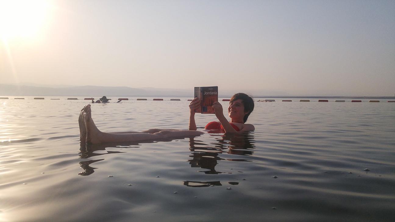 Que ver en Jordania Flotar en el Mar Muerto