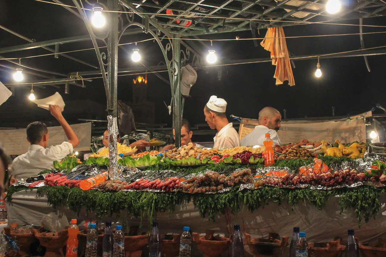 Que ver en Marrakech cenar en la calle