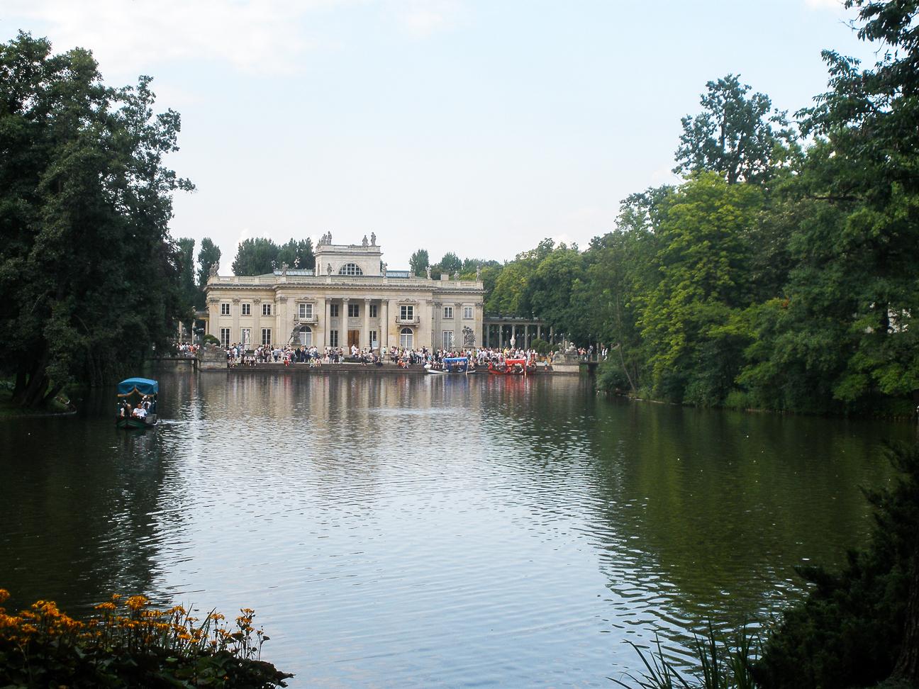 Que ver en Varsovia Estanque en el parque Lazienki