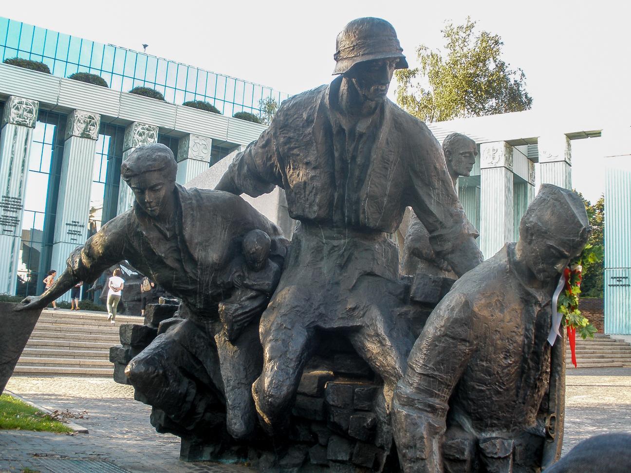 Que ver en Varsovia monumento alzamiento