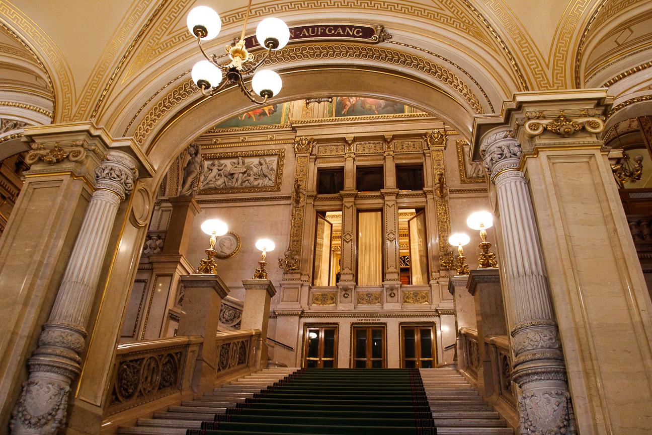 Que ver en Viena - Escaleras Opera de Viena