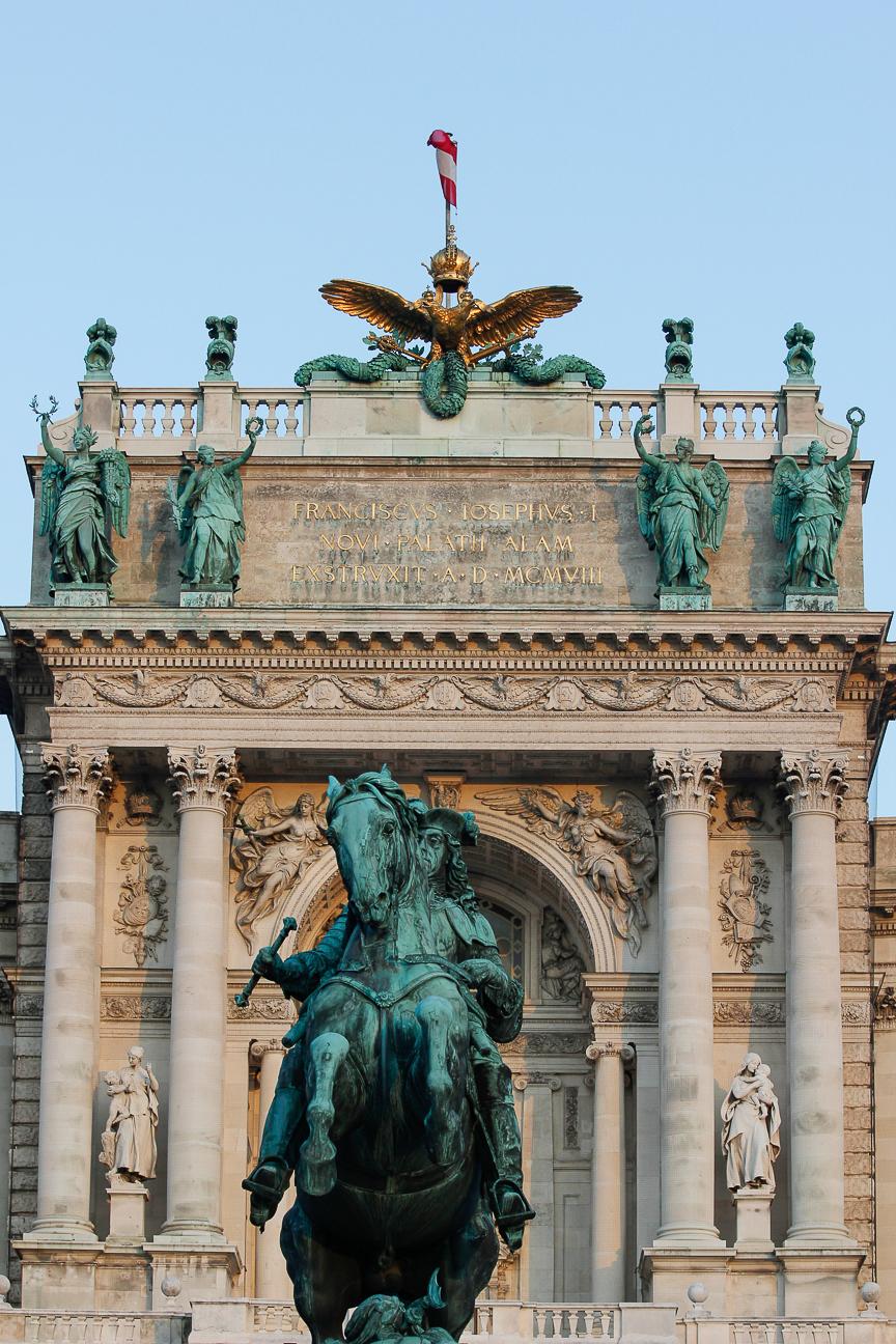 Que ver en Viena - Estatua ecuestre Hofburg