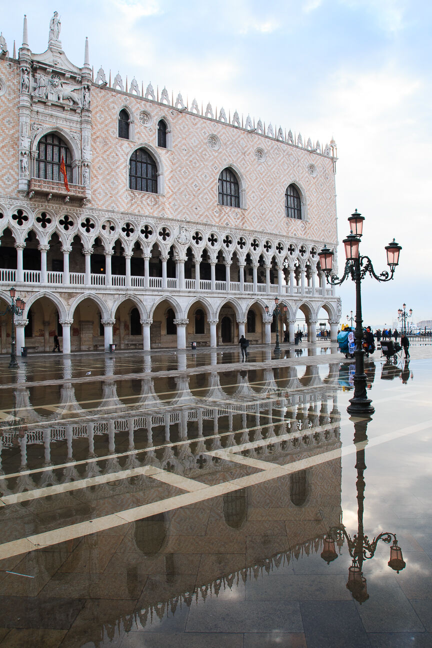 Reflejo del Palacio ducal en Venecia