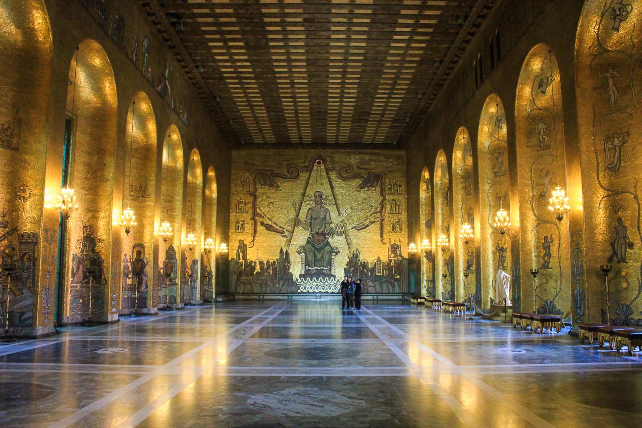 Salon dorado en el ayuntamiento de Estocolmo