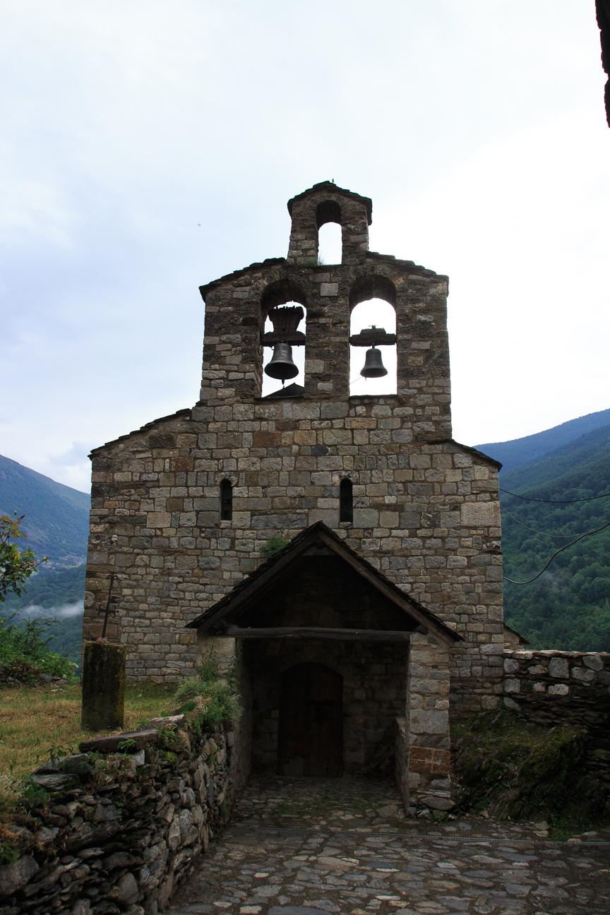 Iglesia romanica de Santa Maria de Cardet