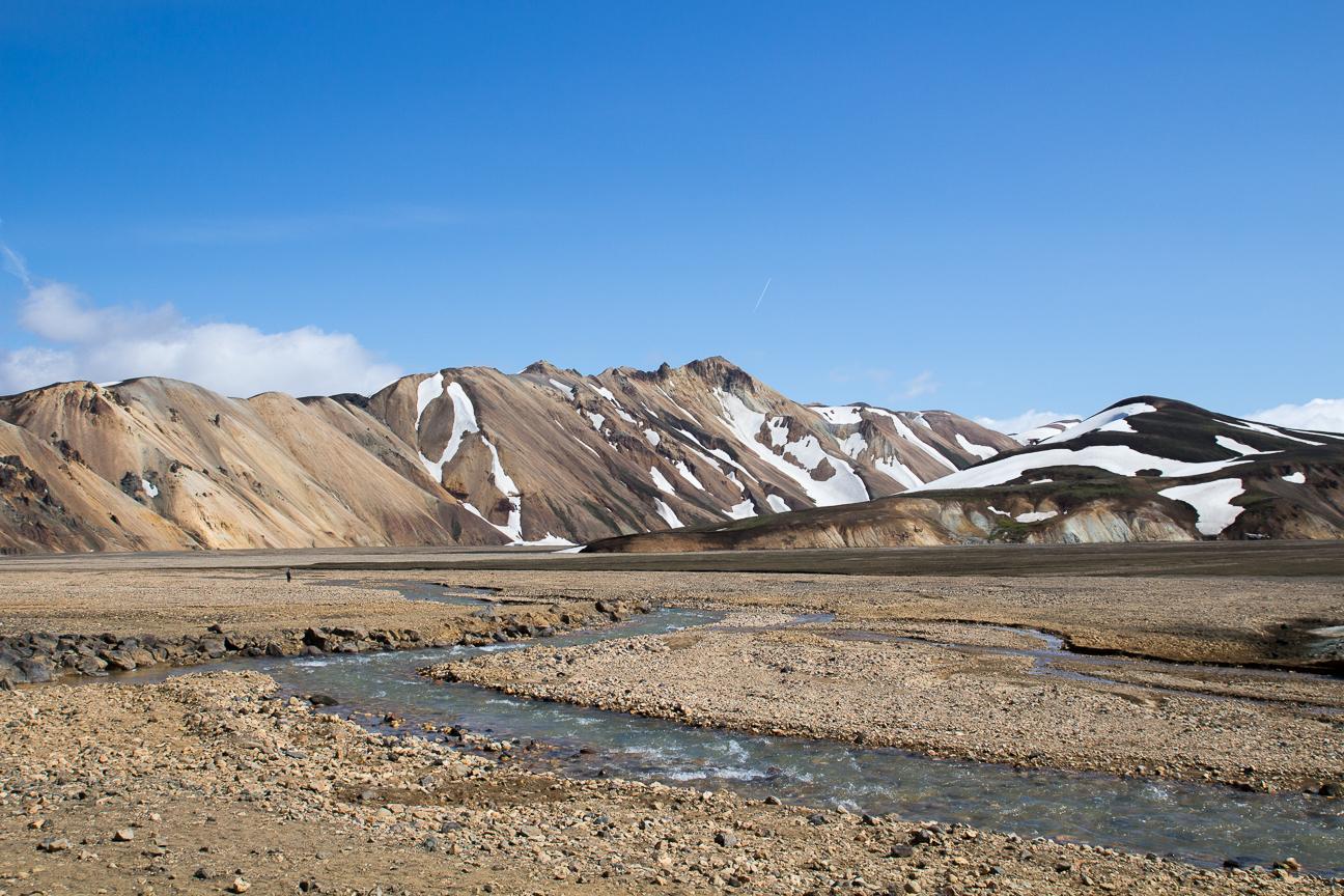 Serpenteante rio en Islandia