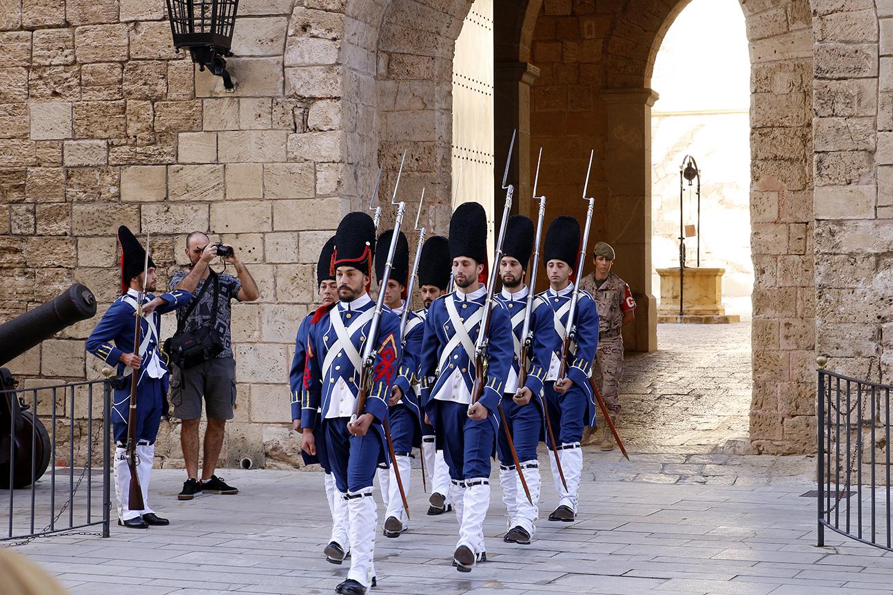 Soldados en el Palacio Real de la Almudaina