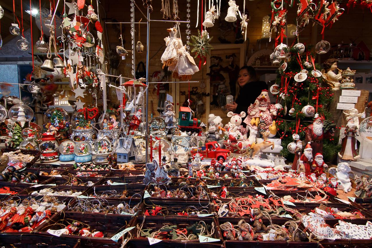 Tienda de mercado navideno