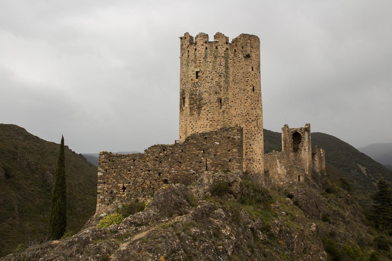 Torre Regine en los castillos de Lastours - Francia
