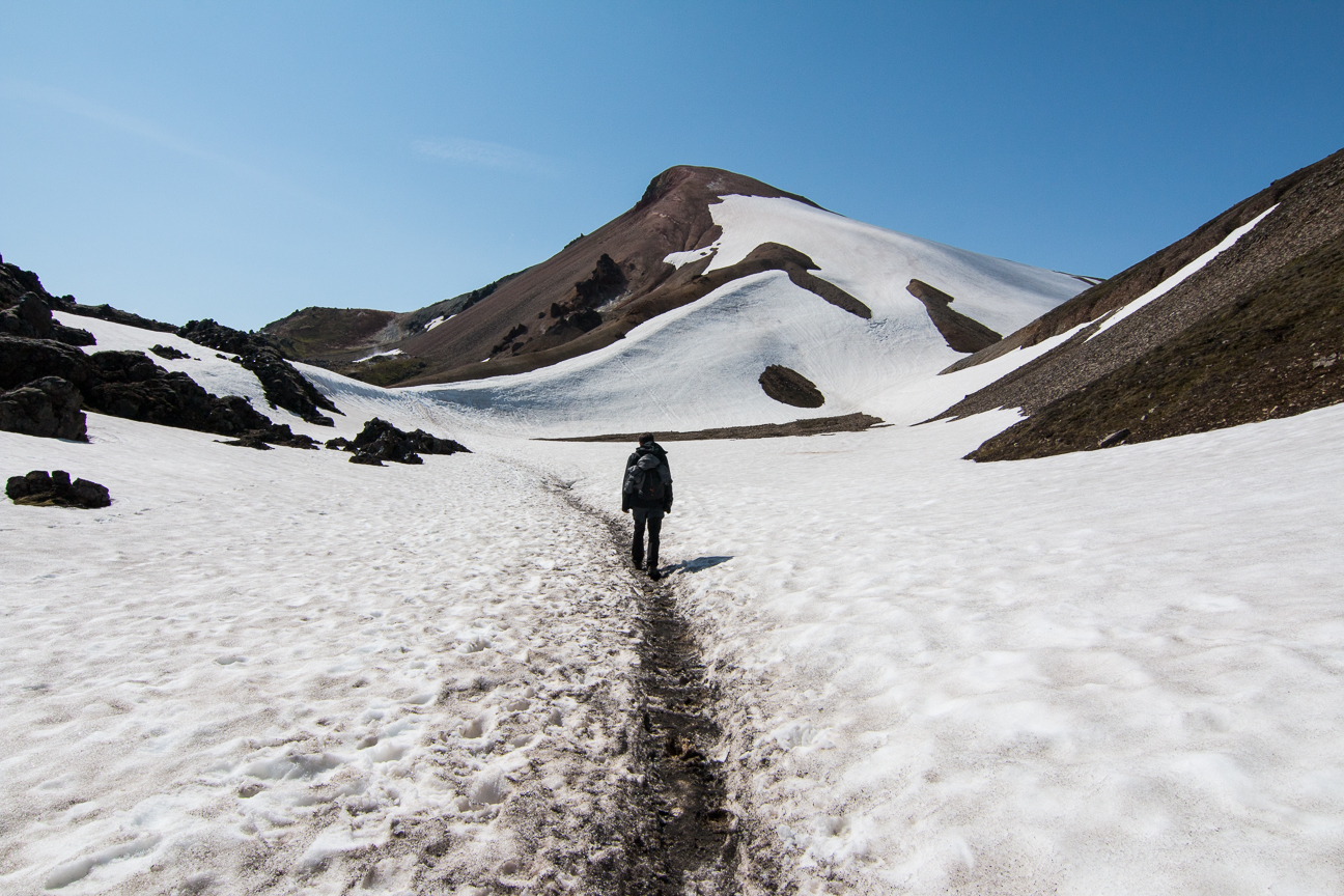 Trekking por la nieve en Landmannalaugar