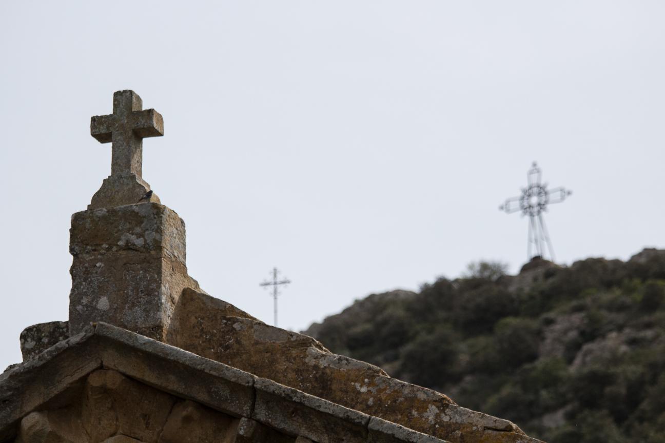 Tres cruces en la Abadia de Fontfroide
