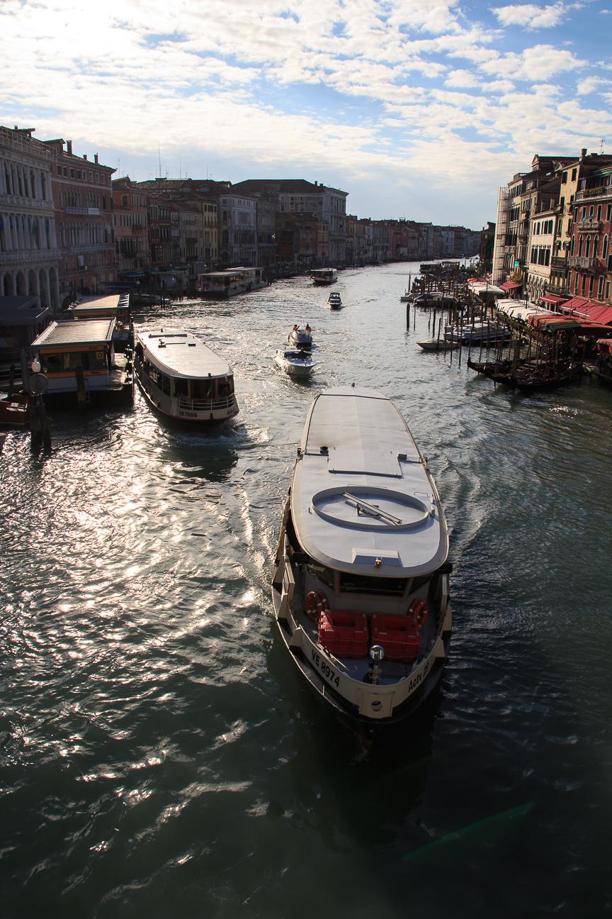 Vaporetto por el Gran Canal