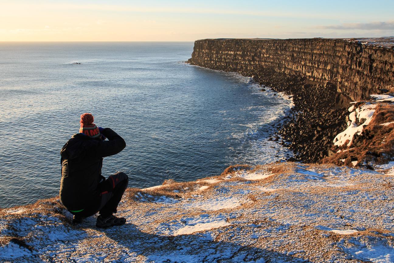 Viajar a Islandia acantilados
