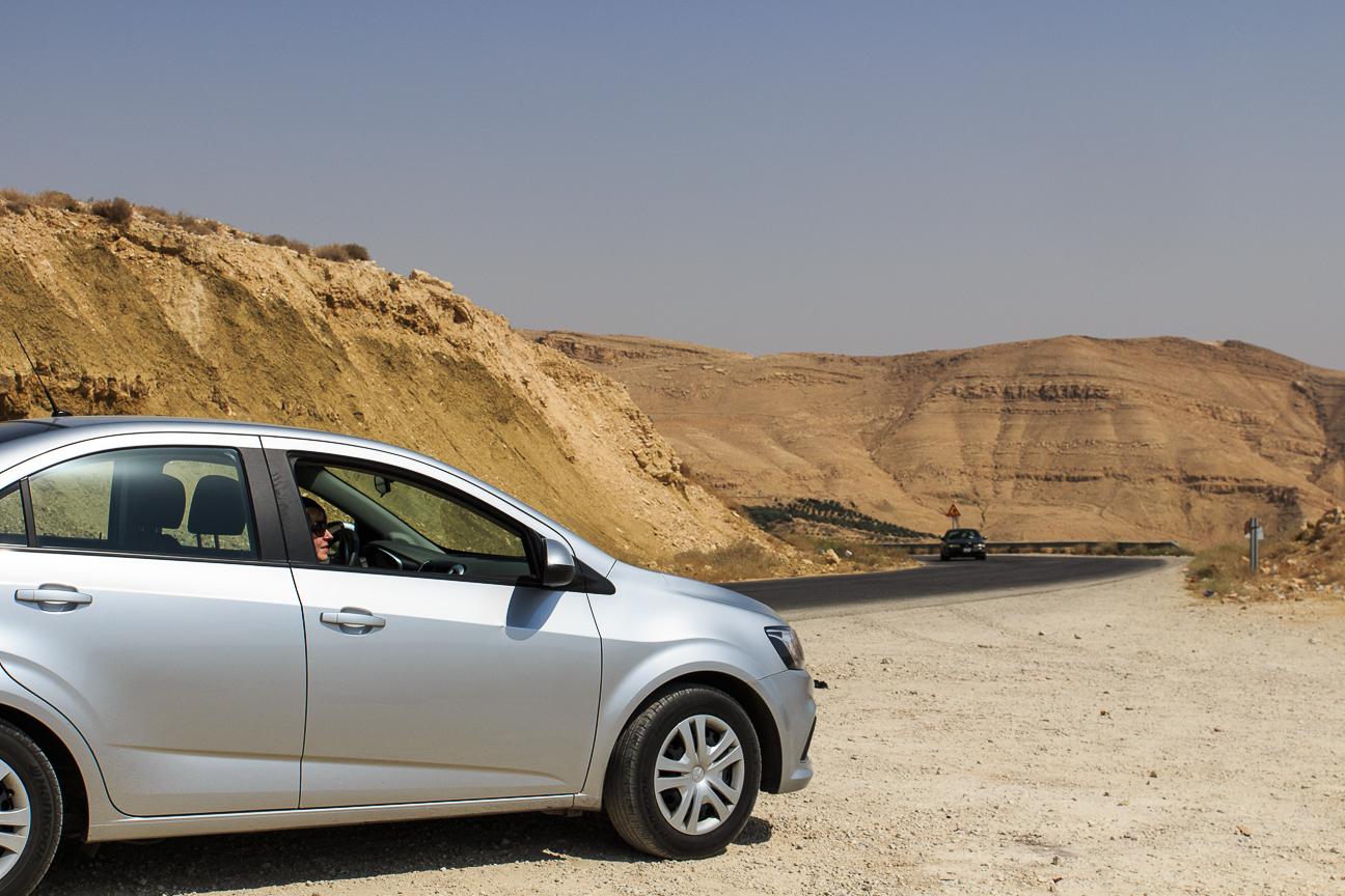 Viajar a Jordania coche alquiler