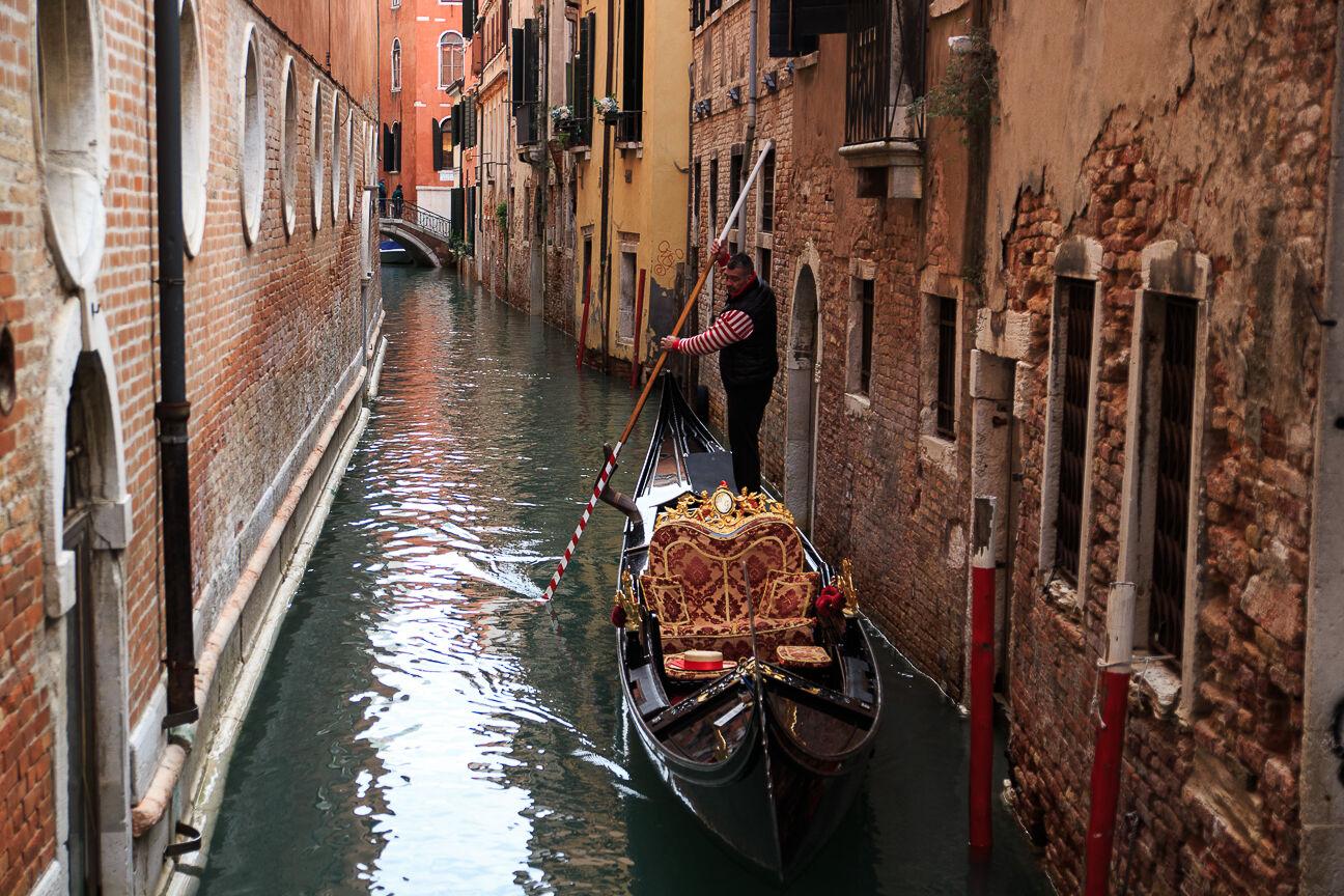 Viajar a Venecia Gondola