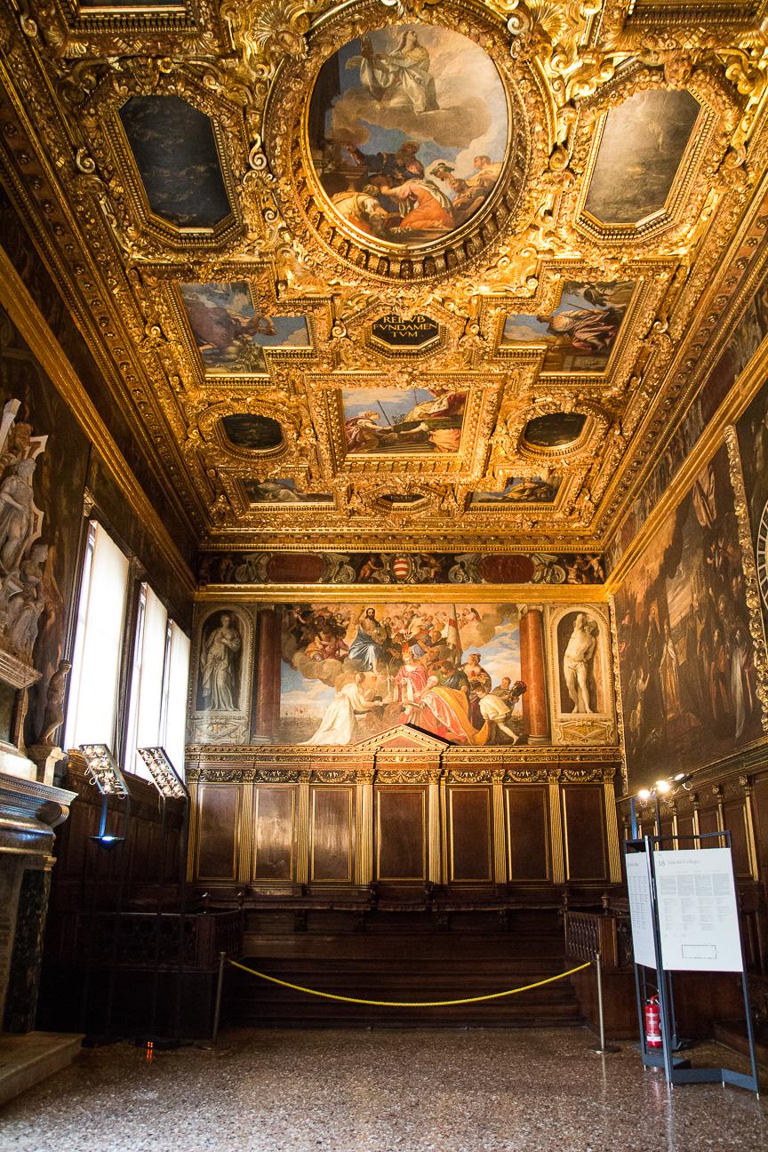 Viajar a Venecia Interior del Palacio Ducal