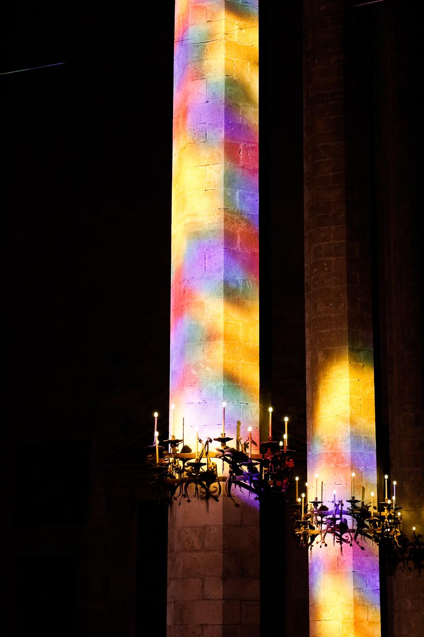 vidrieras de colores en la catedral de Mallorca