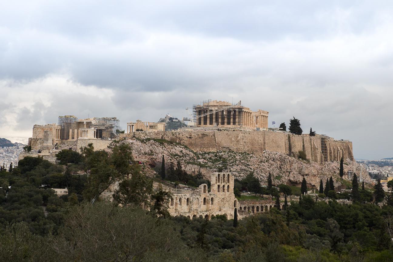 Vistas a los Propileos en Atenas