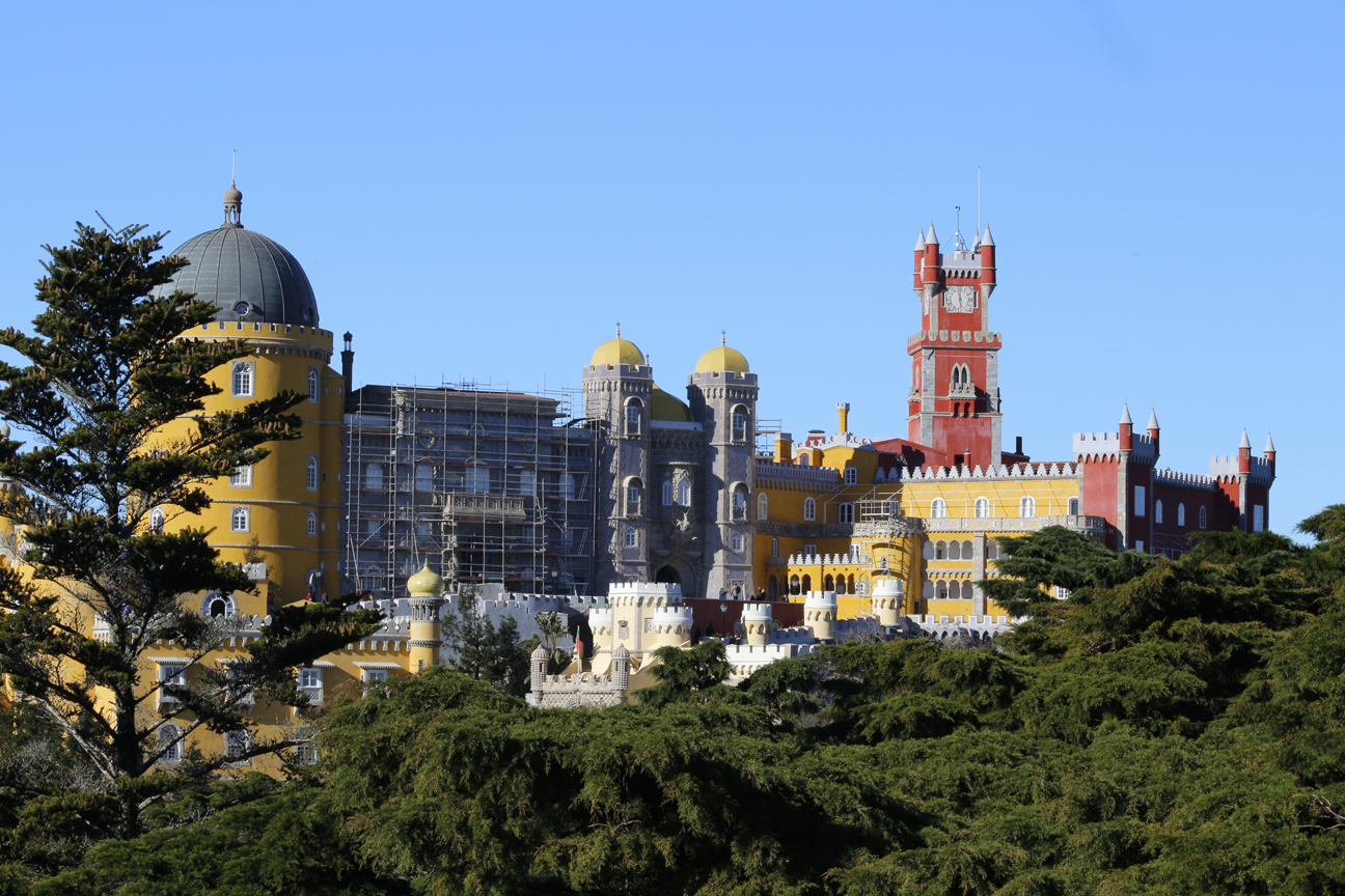 Vista desde lo alto del Palacio da Pena
