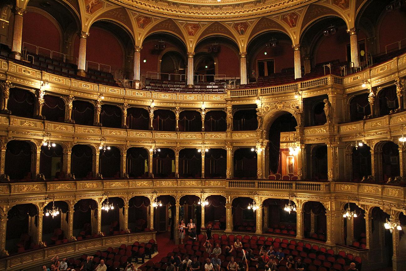 Vista general Palcos y Palco real de la Opera de Budapest