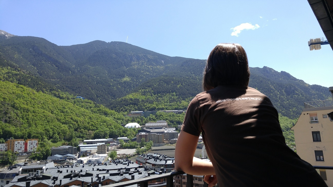 Vistas desde el hotel en Andorra en verano
